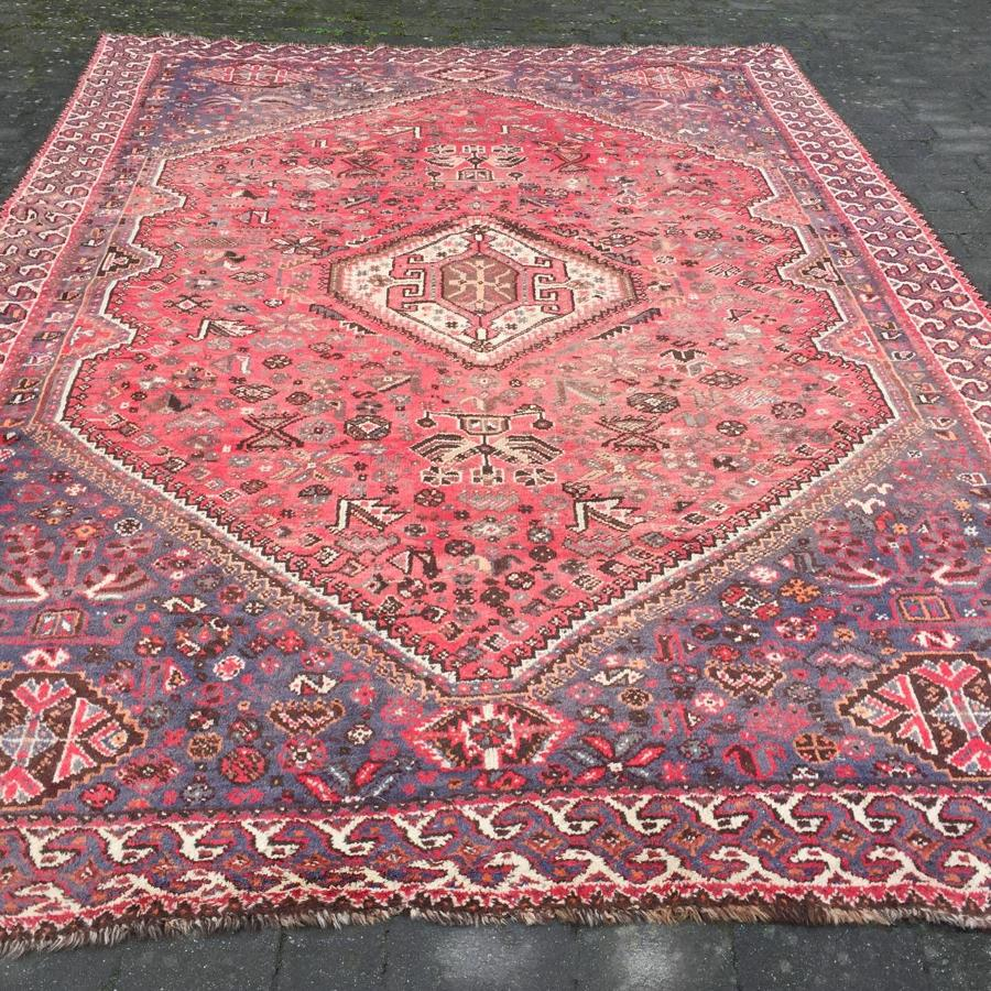 Large Shiraz Quashqai Carpet with Bird Motifs