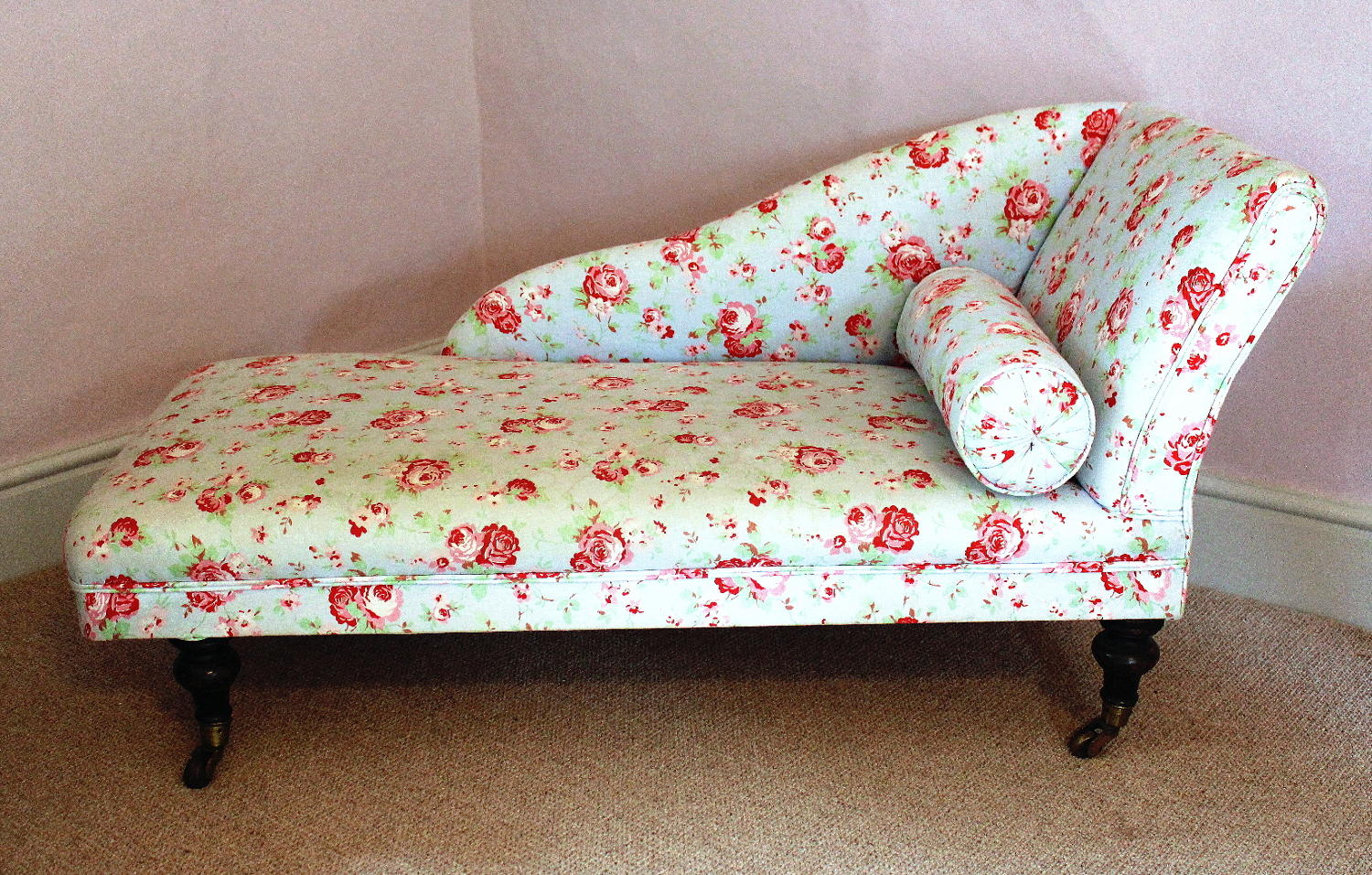 Small Victorian Child's Chaise Longue