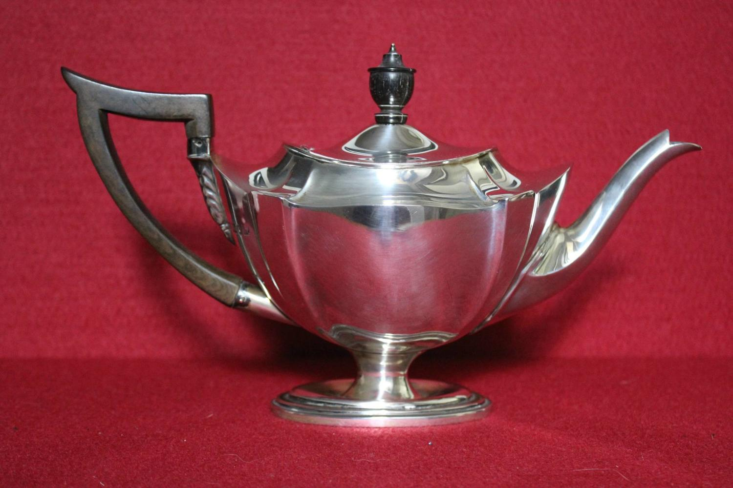 Sterling Silver Teapot, Goldsmiths Co. 1903