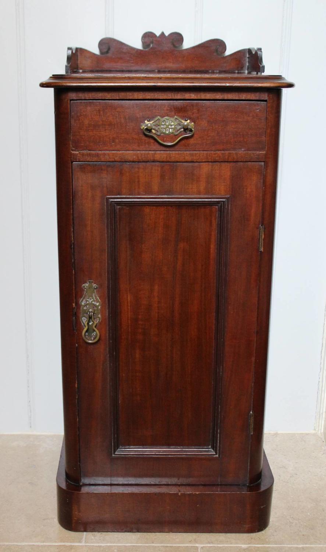 Victorian Mahogany Bedside Pot Cupboard