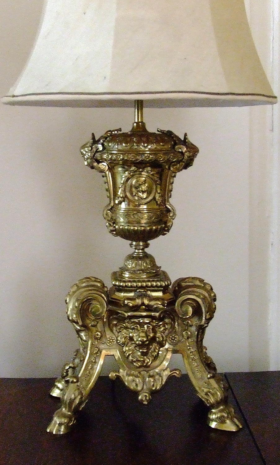 An Antique French Ormolu Bronze Table Lamp