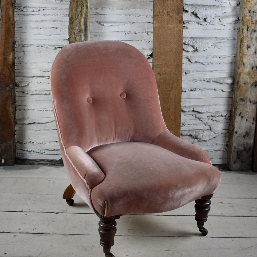 Small Antique Button Back Occasional Chair in Dusky Pink Velvet