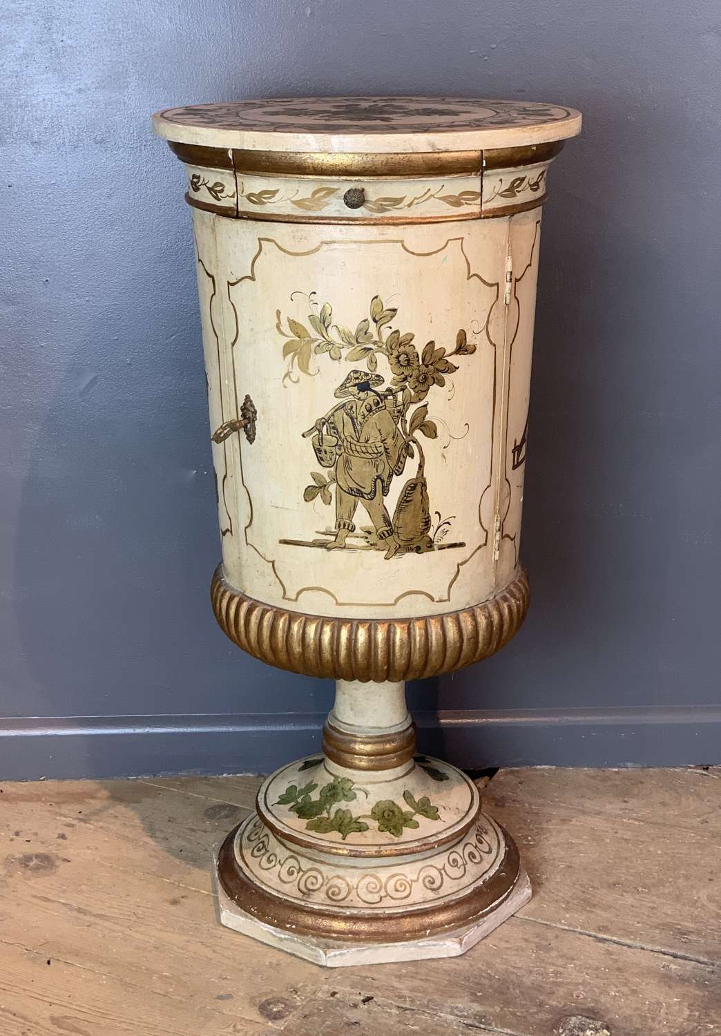 Italian Chinoiserie Decorated Side Cupboard